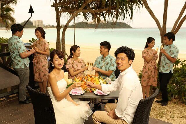 沖縄の正装 結婚式お呼ばれで着たい かりゆしワンピース のコーデやマナー Okinawa Wedding Magazine